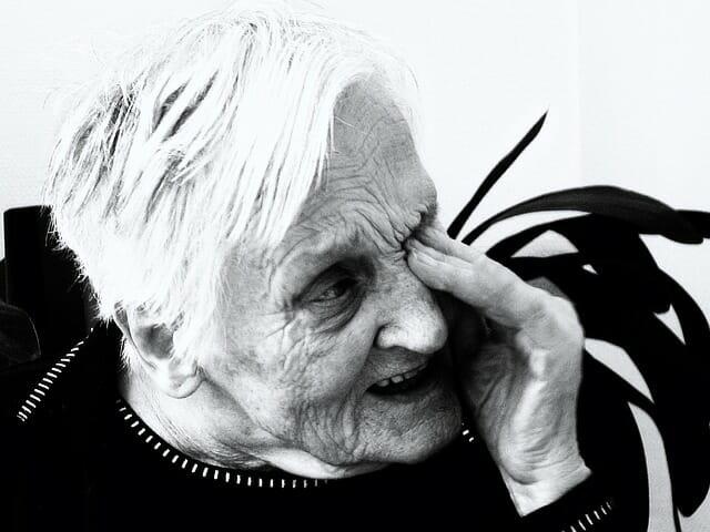 活性酸素は老化進行させ認知症の原因になる
