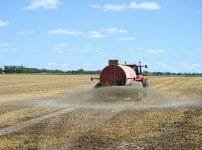 化学肥料散布画像